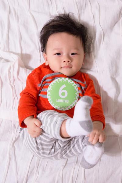 Seth 6 month-2239.jpg