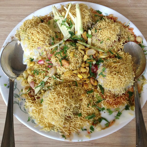 Dahi batata puri - taste of awesome, looks of amazing, sweet / salty balance. This is the world of Mumbai chaat (snacks). This is not your granddad's Indian food.