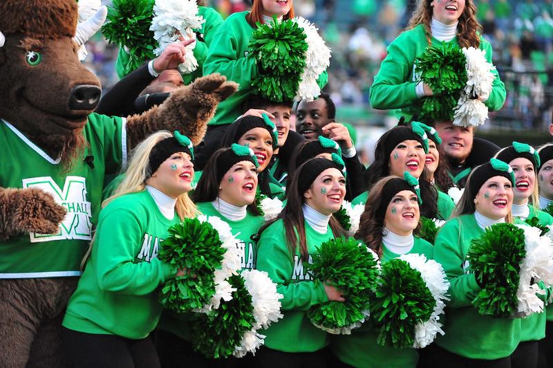 cheerleaders4112.jpg