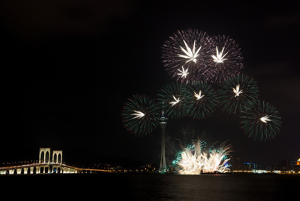 2011-09-12 Macau Fireworks (Japan)