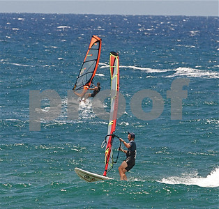 Kite Surfing at Mokuleia - Photos by Alan Kang