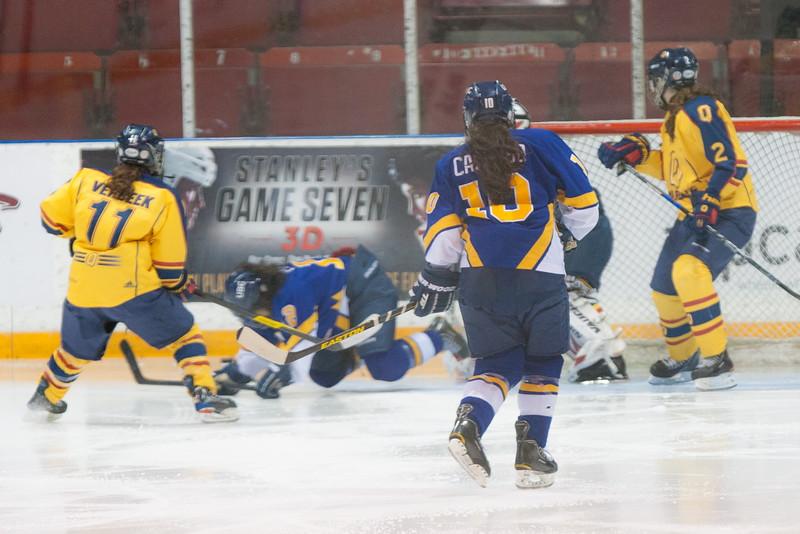 20130310 QWHockeyvsUBC 340.jpg
