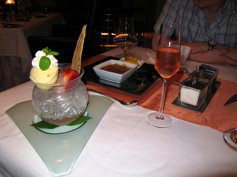Pattaya - december 2009 Eating at Manhattan Restaurant