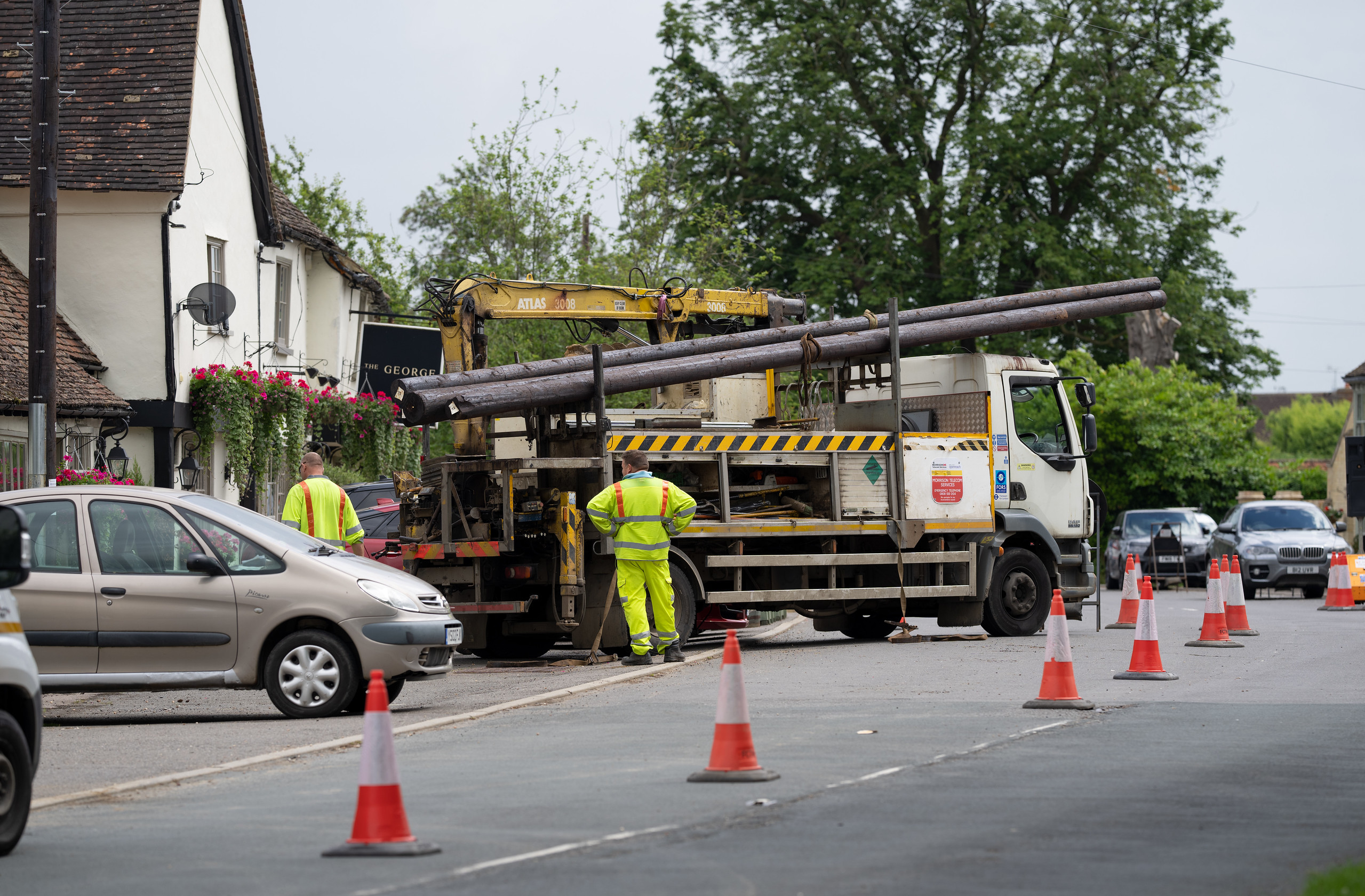 New pole installed in preparation for FTTP (7 July 2021)