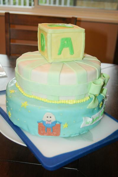 2011.04.10-Baby.Shower.Cake 004.jpg