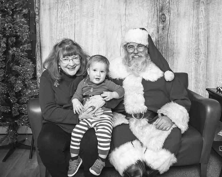 Ameriprise-Santa-Visit-181202-4968-BW.jpg