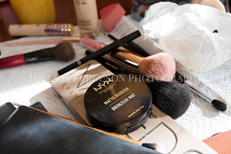 Hillary_Ferguson_Photography_Melinda+Derek_Getting_Ready068.jpg