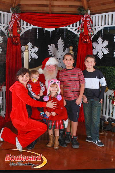 Santa 12-10-16-364.jpg