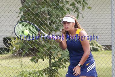 Girls Tennis / Clyde
