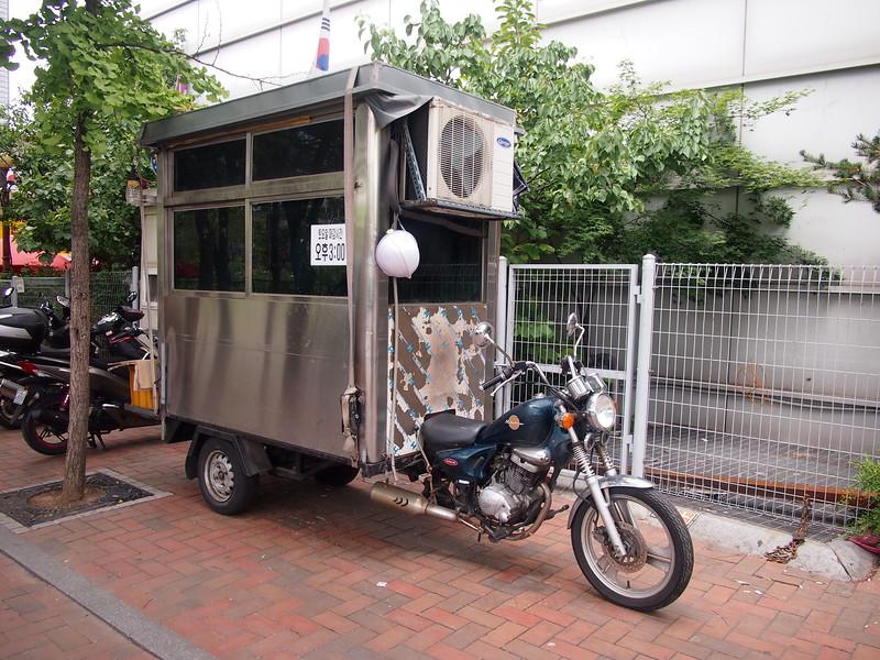 P6283904-police-box.JPG