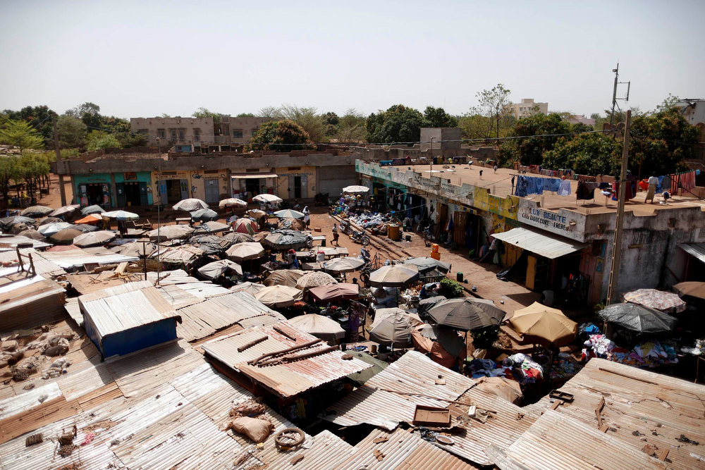 Description of . A general view of the market in the Malian capital of Bamako February 7, 2013. REUTERS/Benoit Tessier
