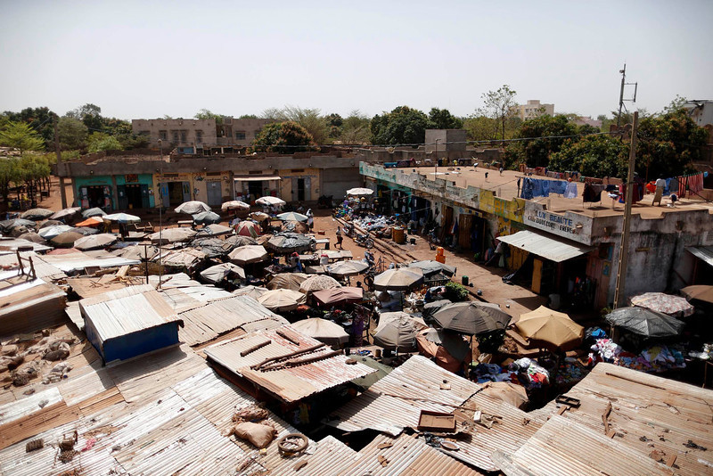 . A general view of the market in the Malian capital of Bamako February 7, 2013. REUTERS/Benoit Tessier