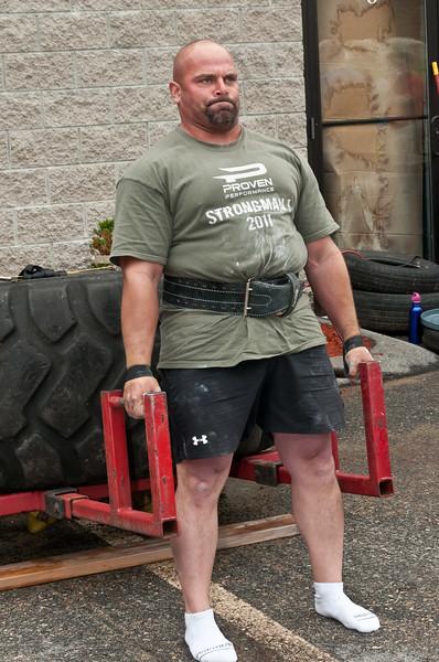 Fitness Revolution Strongman Challenge 2011_ERF3864.jpg