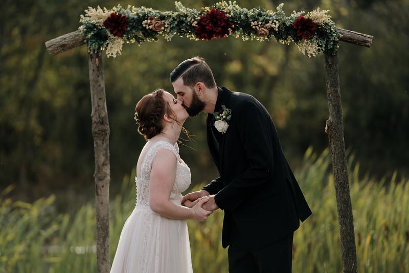 rustic_ohio__fall_barn_wedding-232.jpg