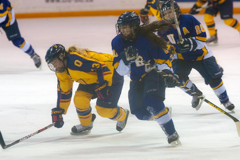 20130310 QWHockeyvsUBC 463.jpg