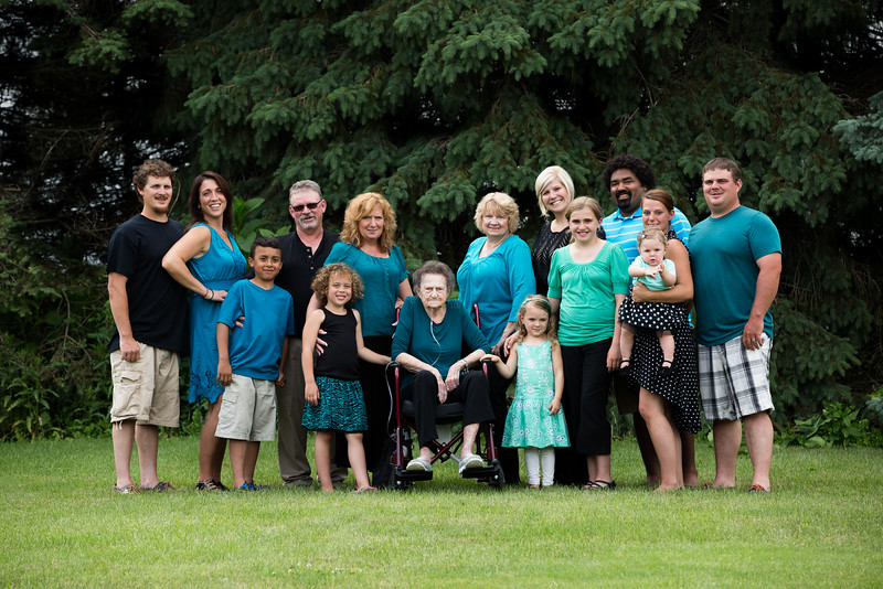 Extended-Family-Pictures-Middleville-Michigan-2.jpg