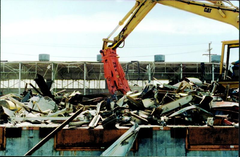 NPK M38K demolition shear on Cat excavator-C&D recycling-in Los Angelas.JPG