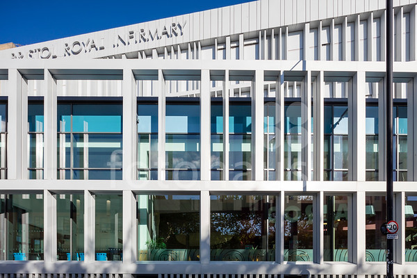 Bristol Royal Infirmary, Veil Facade