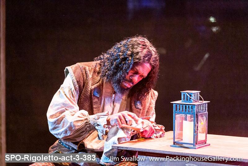 SPO-Rigoletto-act-3-383.jpg