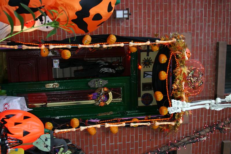07.10.31 Halloween around the Slope 147.jpg
