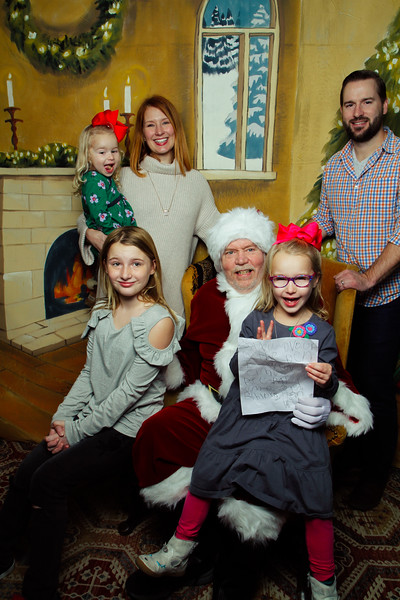 Pictures with Santa Earthbound 12.2.2017-044.jpg
