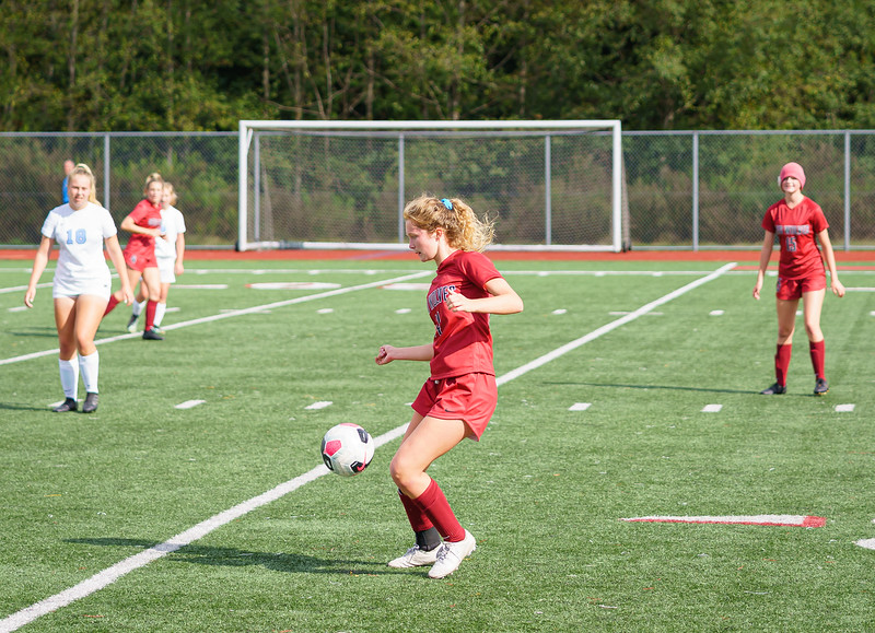 2019-09-28 Varsity Girls vs Meadowdale 078.jpg