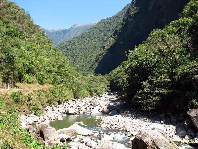 Urubamba River from Machu Picchu Pueblo Hotel, Aguas Calientes, Peru (2008-07-05).psd