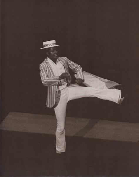 Dance_1272.jpg