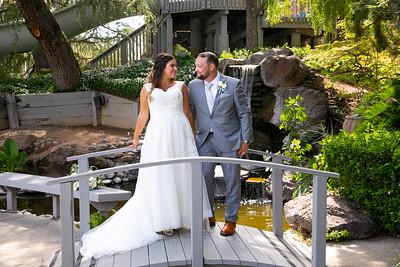 Alyson & Kameron / Arden Hills Resort & Spa