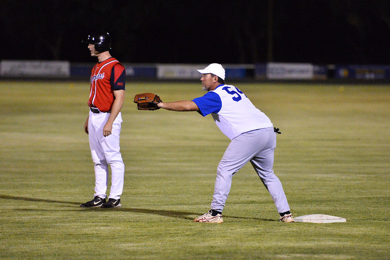 Nick Kuhn (Berri) ready to steal to 2nd as Shane Healy (Renmark) waits on 1st base