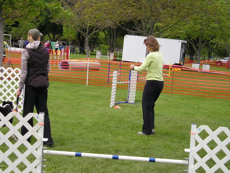 Sharon Freilich teachingSharon Freilich teaching dog agility