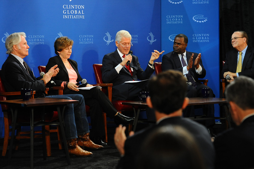 . President Bill Clinton leads a discussion during the Clinton Global Initiative infrastructure meeting at LA City Hall Thursday, April 3, 2014.  The meeting was the fifth convened by President Clinton with mayors to discuss infrastructure in their cities.(Andy Holzman/Los Angeles Daily News)