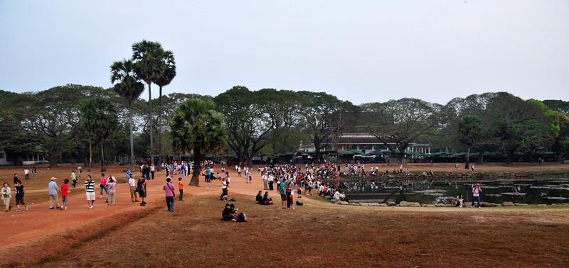 Day18-AngkorWatSunset-10.jpg