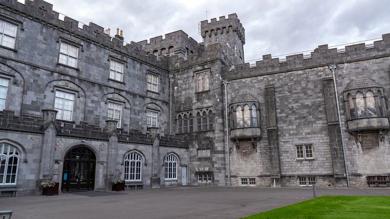 Ireland-Kilkenny-Castle-03.jpg