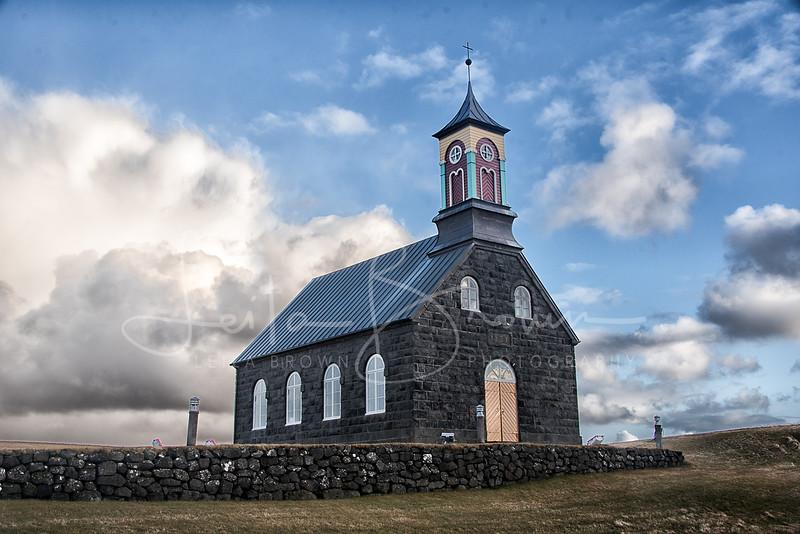 Church - Hvalsneskirkja-1.jpg