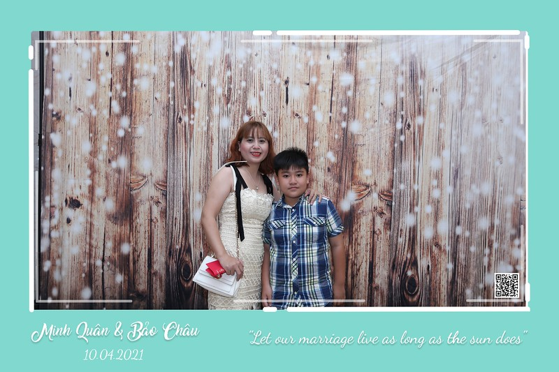 QC-wedding-instant-print-photobooth-Chup-hinh-lay-lien-in-anh-lay-ngay-Tiec-cuoi-WefieBox-Photobooth-Vietnam-cho-thue-photo-booth-009.jpg