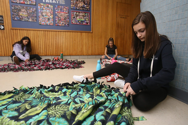 Tyngsboro MS blankets for homeless 043019
