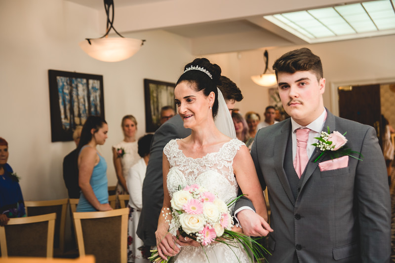 Mr & Mrs Hedges-Gale-44.jpg