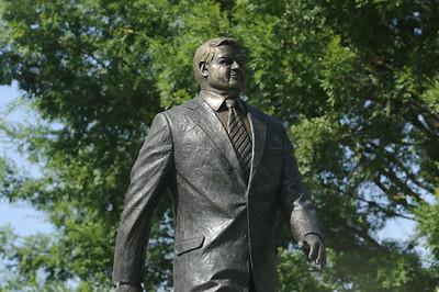 Richardson Statue AM 06-03-14