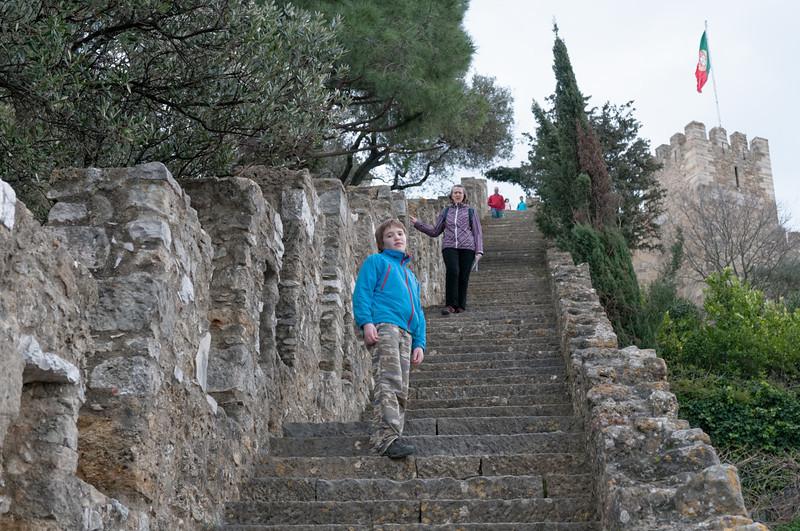 Diese Treppe sind wir ganz hinunter gegangen. Hätten wir uns sparen können. War eine Sackgasse.