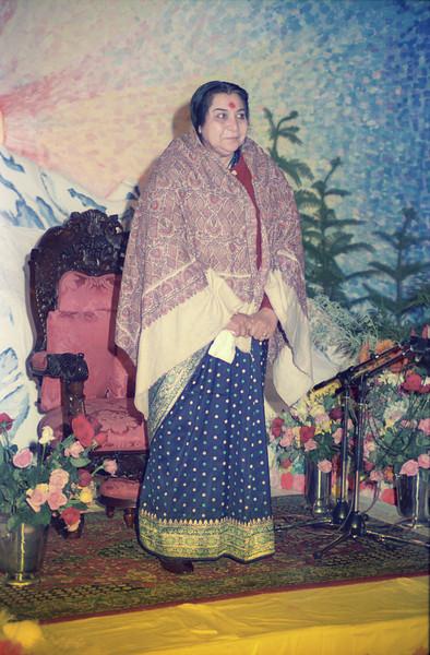 Sahasrara Puja evening talk, 3 May 1987, Thredbo Australia (Matthew Fogarty photo)