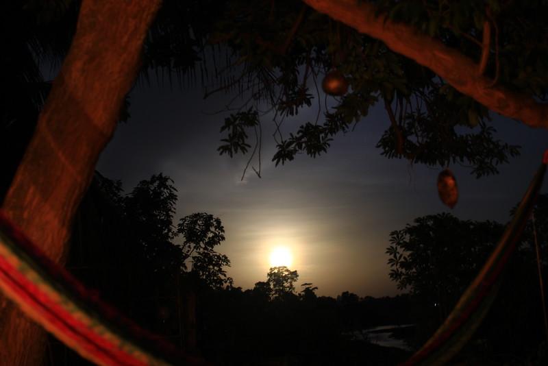 River ChocoStay ≠ PhotoStay
