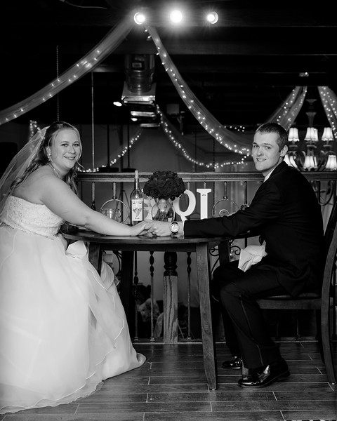 bw Ashley and Jared054A4489.jpg
