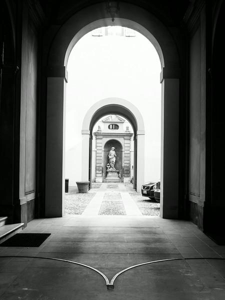 modena hallway 2.jpg