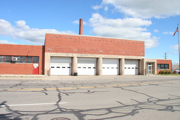 Detroit Fire Department : Old / Active Firehouses & Apparatus