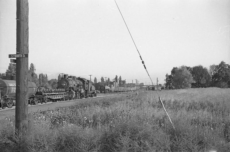 UP-trains-at-5th-North_Salt-Lake-City_Sep-5-1947_Emil-Albrecht-photo-0226-001-rescan.jpg