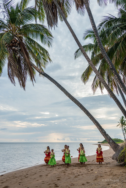 Girls from the Hula school