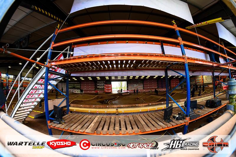 neo race track pits27.jpg