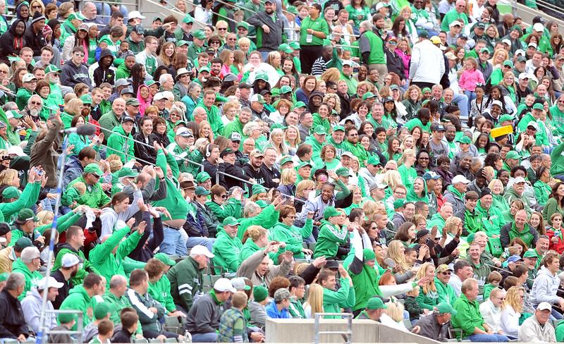 crowd0394.jpg