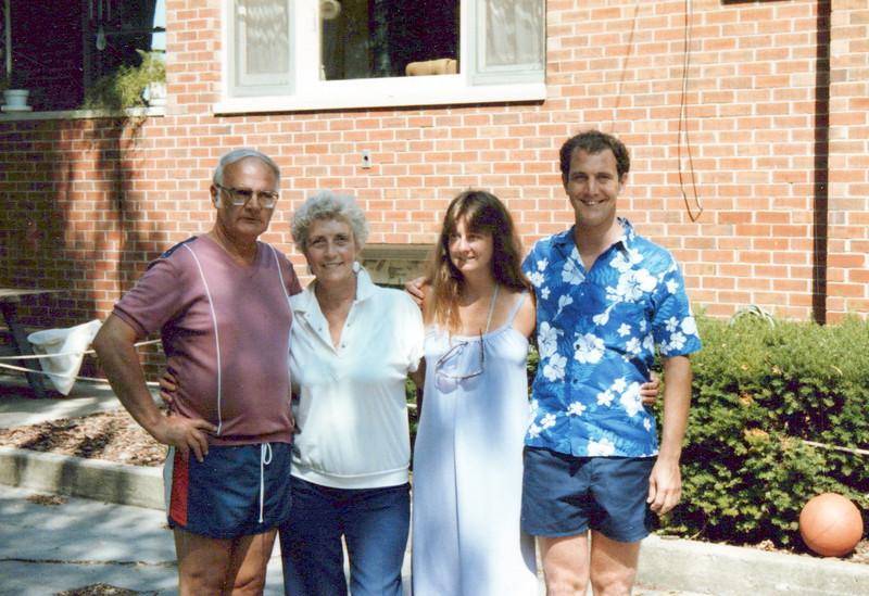 1986 Doc, Viv, Cathy and Kris.jpeg